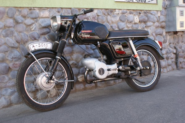 mobra-super-50-kopek-1