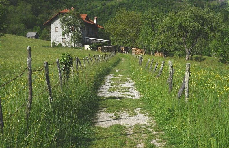village-1478808-1280