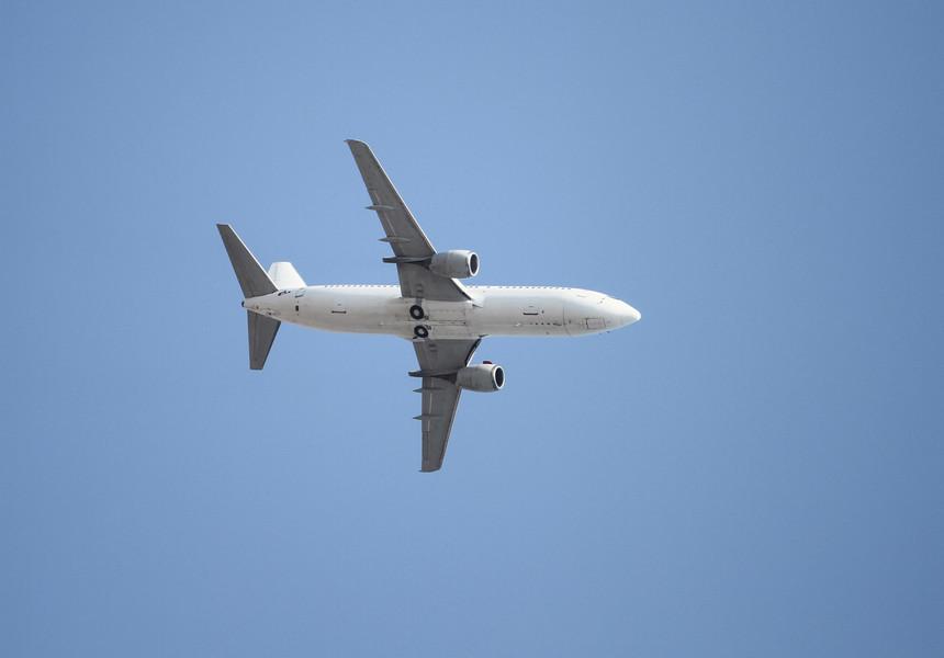 avion-zbor-shutterstock