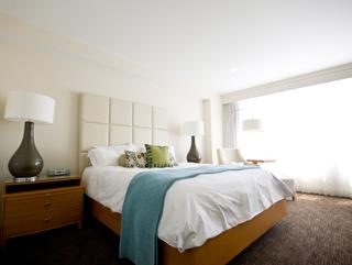 5 -09 camera-hotel-shutterstock-64205929