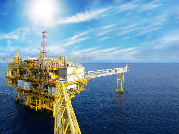 6140318_oil-rig-offshore-605x