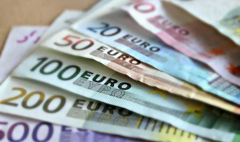 4150518_bank-note-bills-cash-63635_0