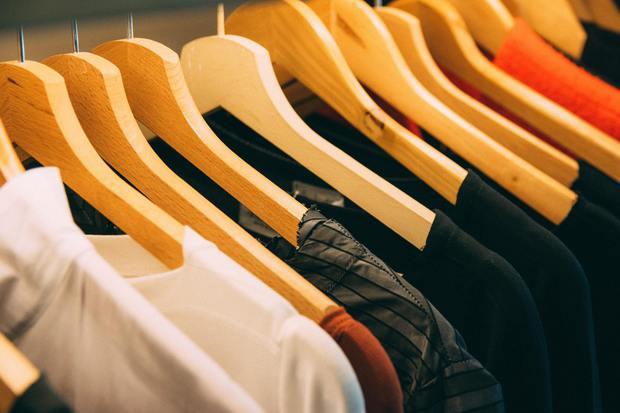 4230518_cabinet-clothes-clothes-hanger-996329