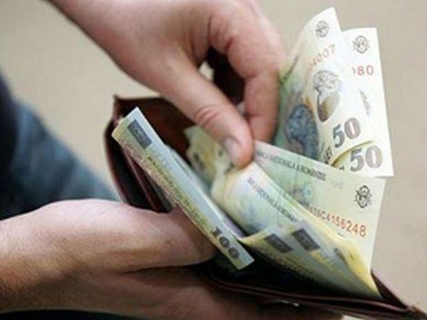 6210518_portmoneu-cu-bani