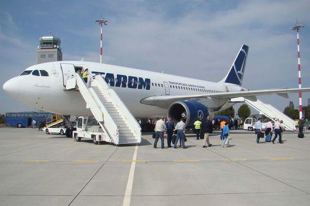 340618_tarom-avion-debarcare