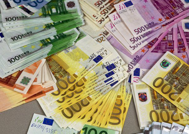 counterfeit-euro-banknotespreview-605x
