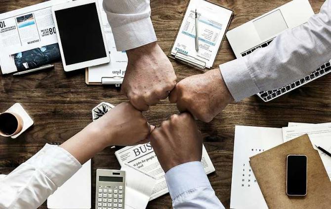 business_management_burse_14559600