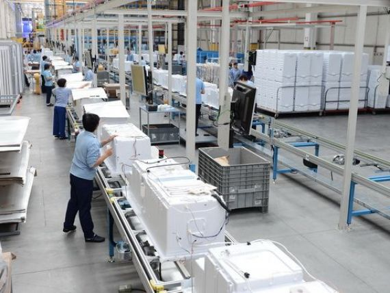 arctic-cea-mai-mare-fabrica-de-frigidere-din-europa-a-investit-24-mil-euro-intr-o-noua-linie-de-productie_size9