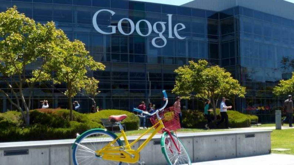 google deschide huburi 3 orase mici romania investitie 500 000 dolari tineri programare 2.5