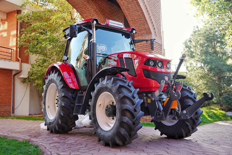image-2018-10-30-22786841-41-tractor-romanesc